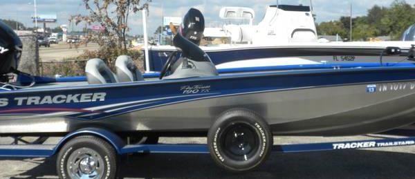 2009 Bass Boat